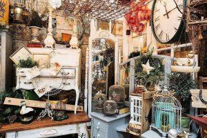 vintage market shopping