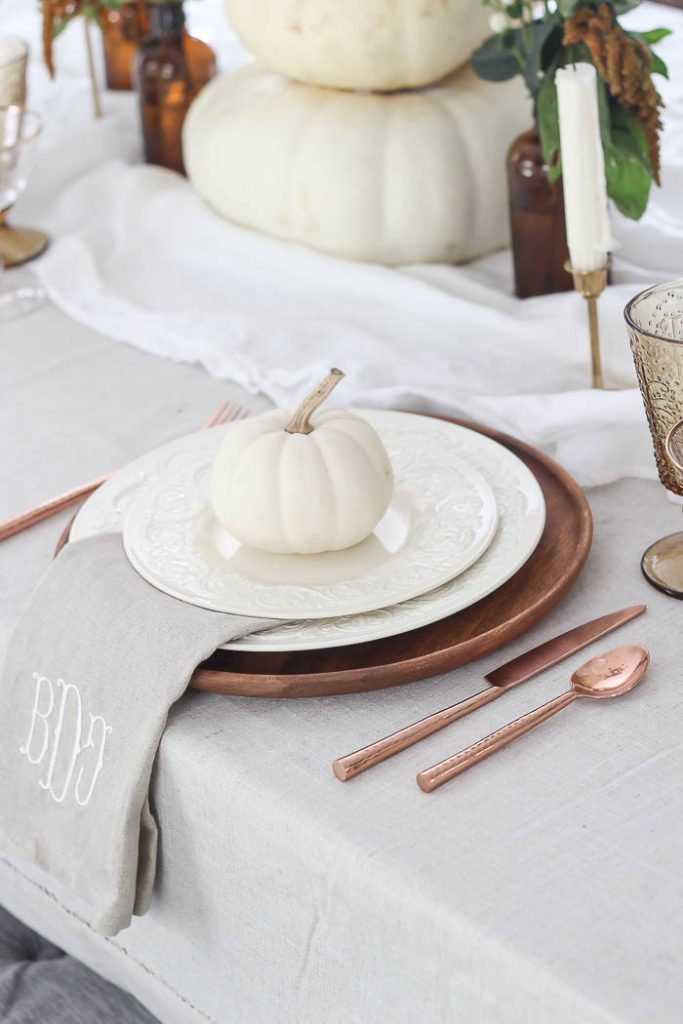 Simple Thanksgiving Tablescapes
