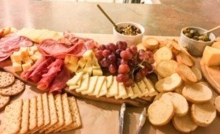 How to throw a no fuss charcuterie party