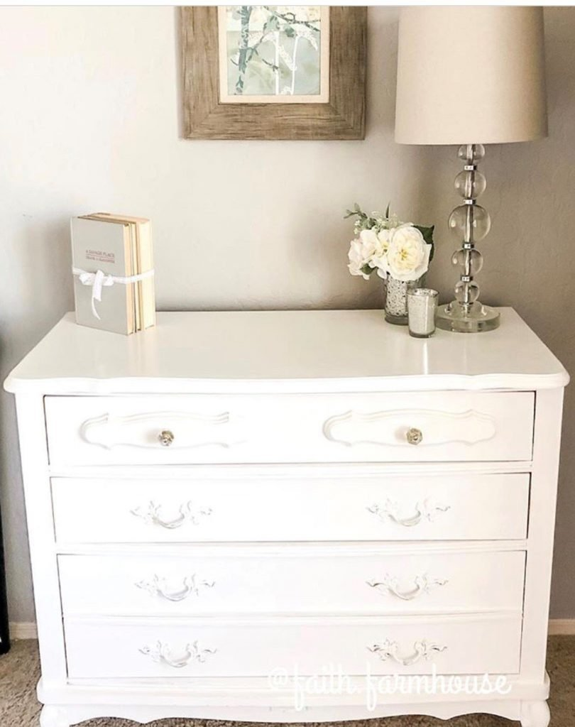 How to Chalk Paint Furniture in 6 Easy Steps