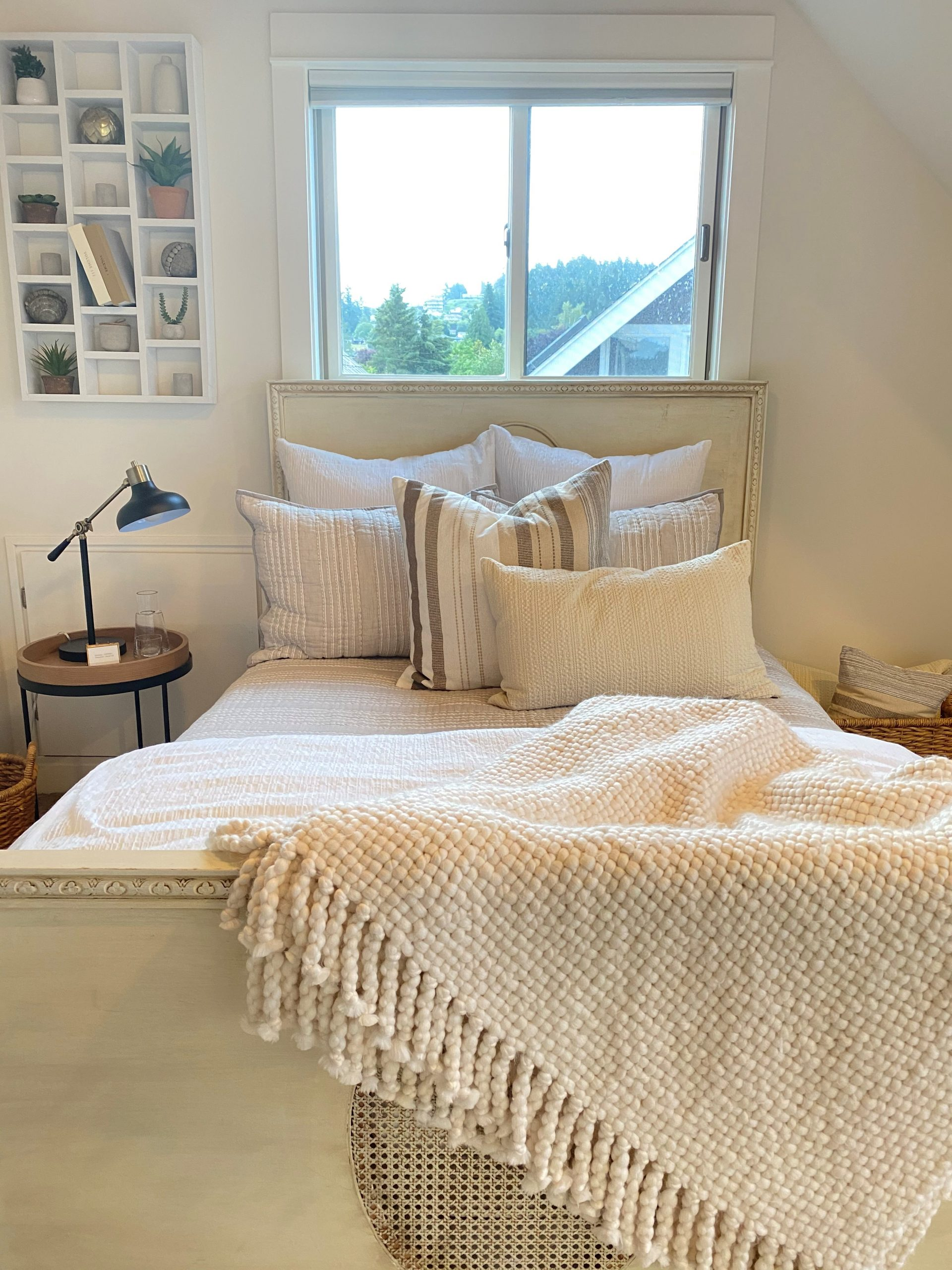 Essentials to a fabulous guest room