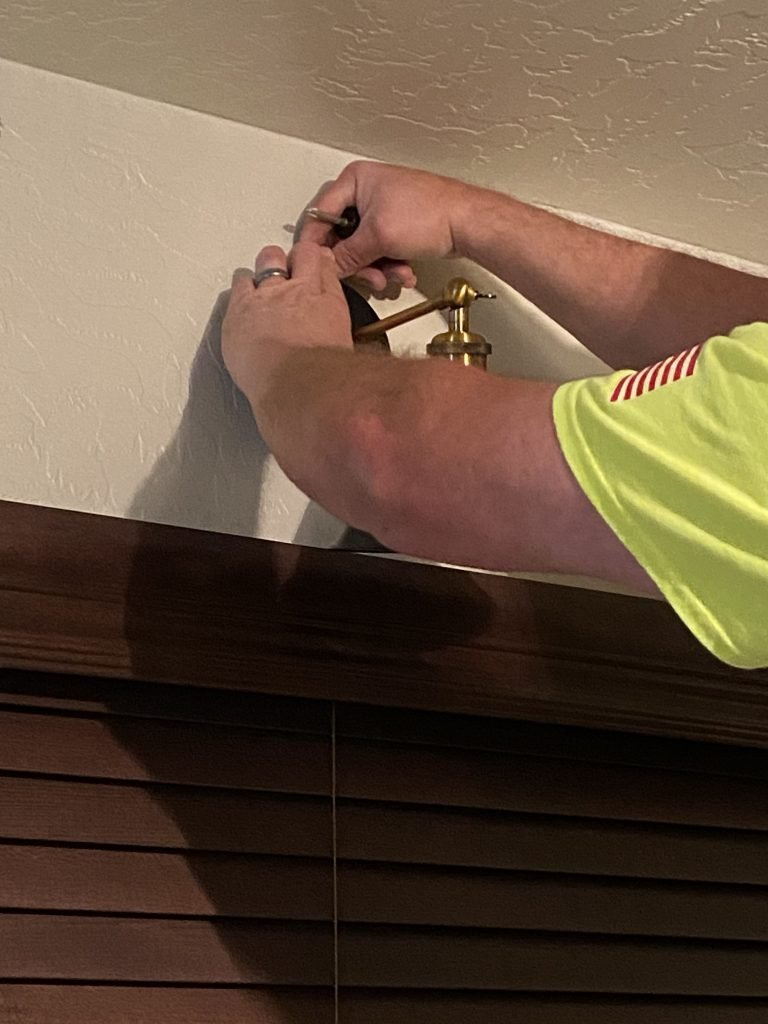 How to Install a Light Without Wiring